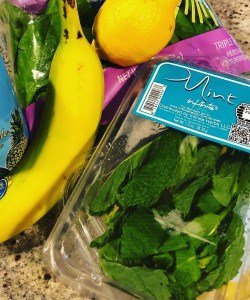 Trader Joe's Tropical Super Simple Smoothie: Ingredients at a glance (spinach, mint, mango, banana, lemon, coconut water with pineapple