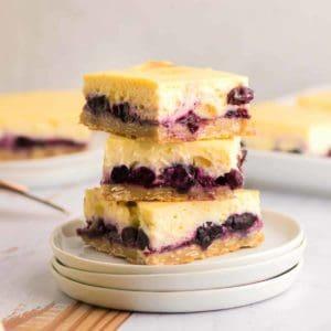 Easy homemade Blueberry Cheesecake Bars