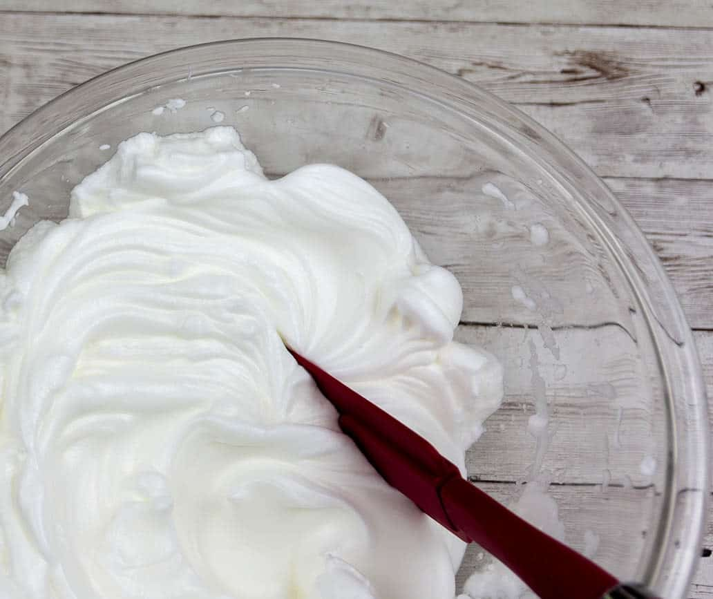 Perfectly whisked egg whites with stiff peaks