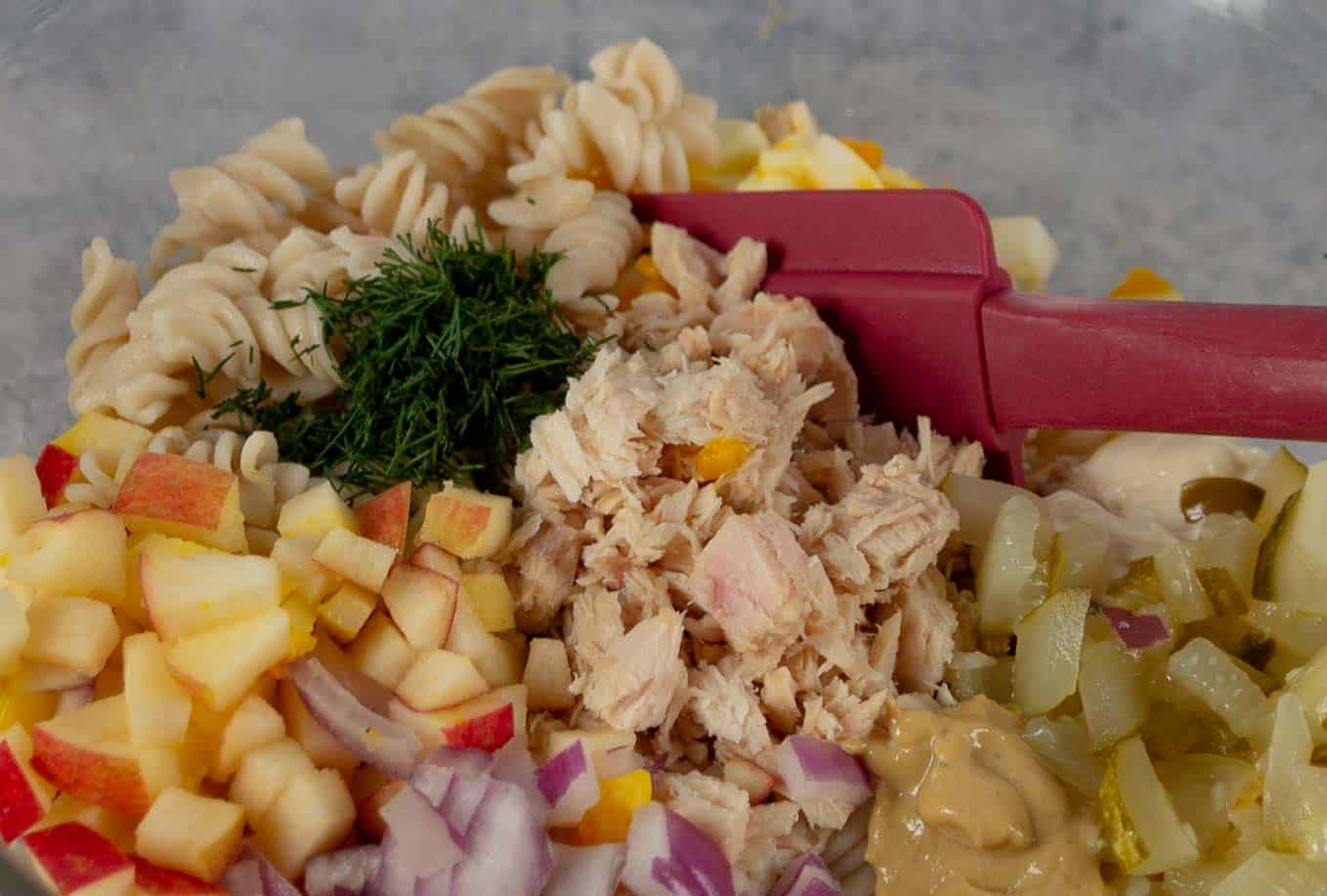 Ingredients for the best, protein-packed tuna pasta salad.
